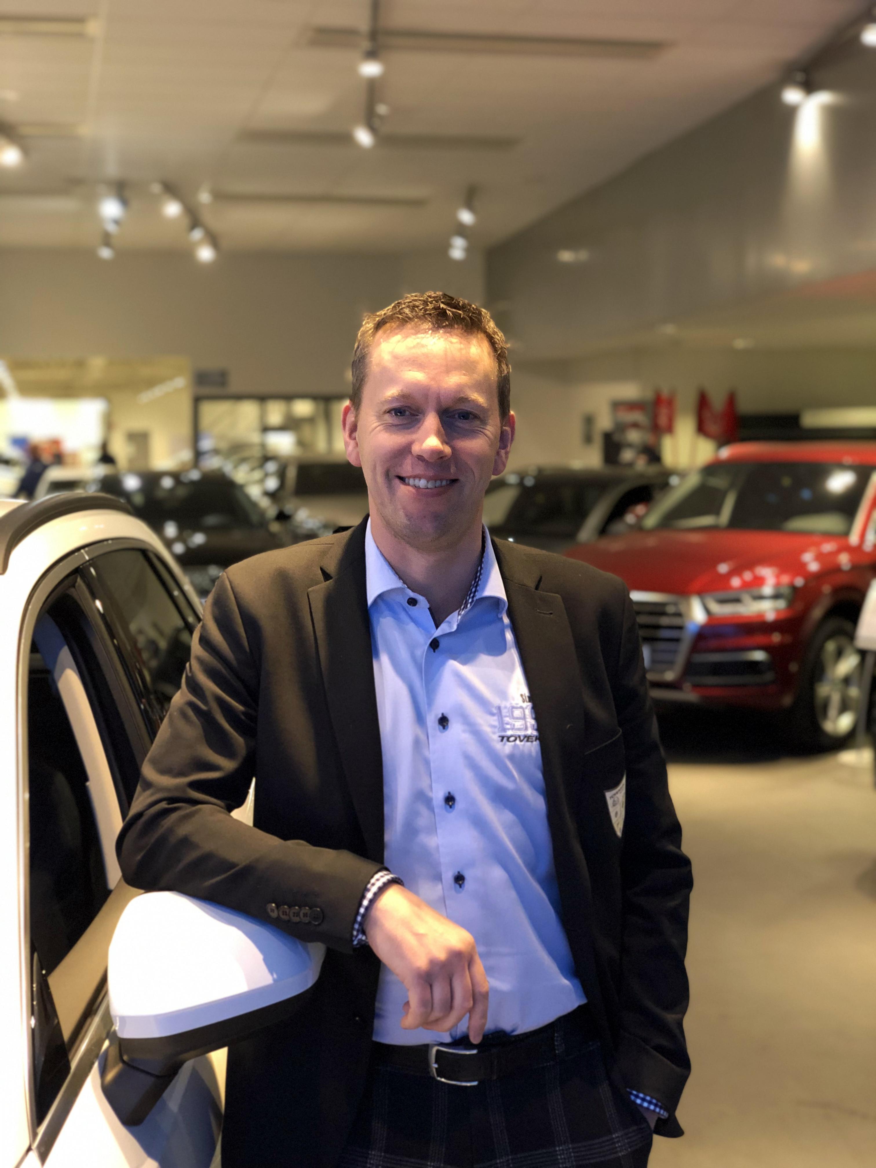 Arbeta som bilmarknadschef på Toveks Bil
