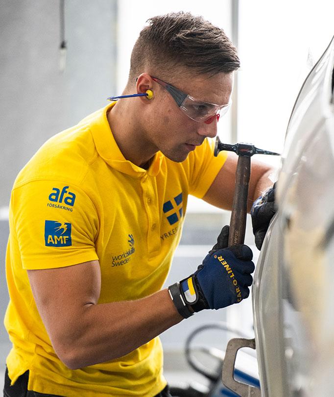 Oskar Thulin, bilplåtslagare på Toveks Bil i Lund